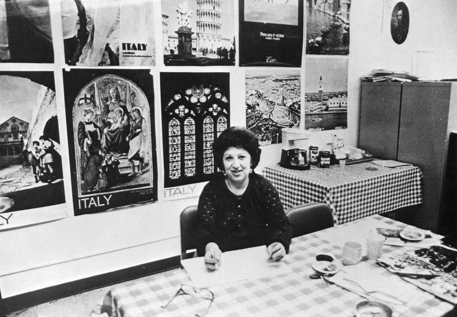 Brooklyn - Eleanor Gerbino nel suo studio al Brooklyn college (F. Li Mandri, 1981)